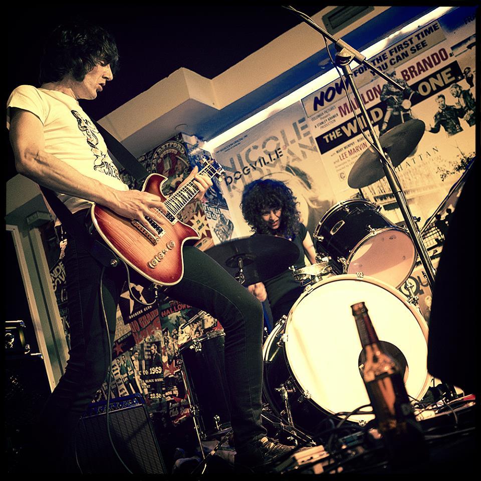 Niña Coyote eta Chico Tornado Live Band