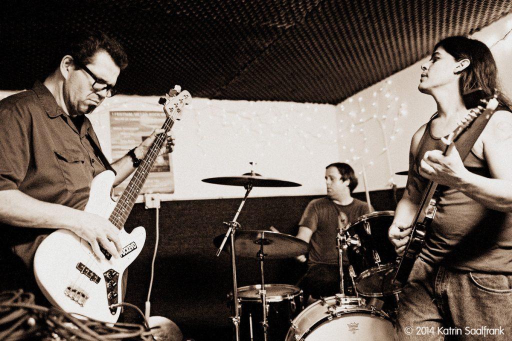 Yawning Man Band Live
