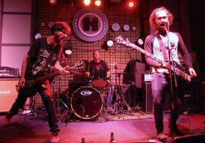 santo-rostro-band-live