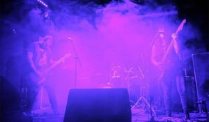 glory-in-the-shadows-live-band