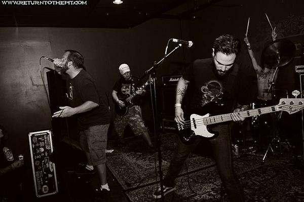 motherboar-live-band-2