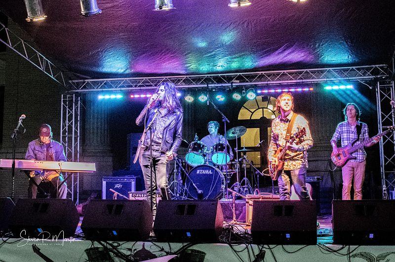 luna-cruise-live-band_opt