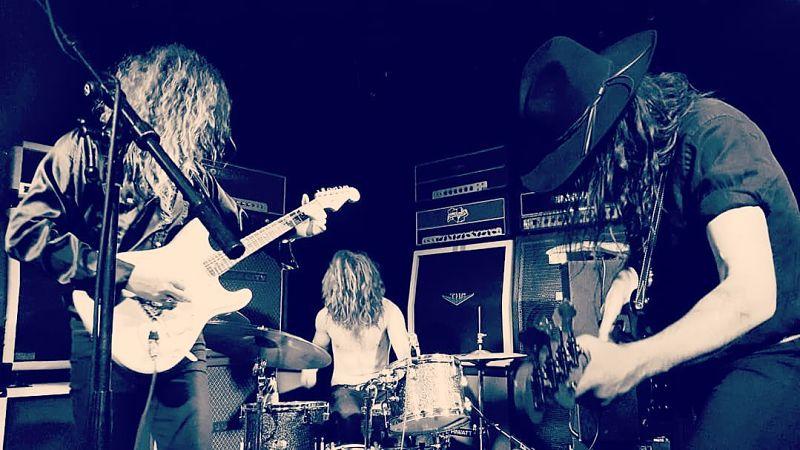 child-live-band
