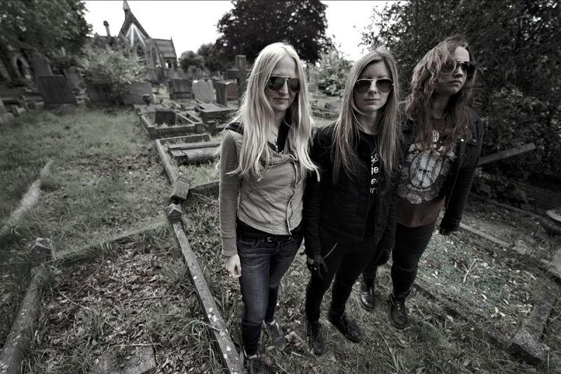high-priestess-band