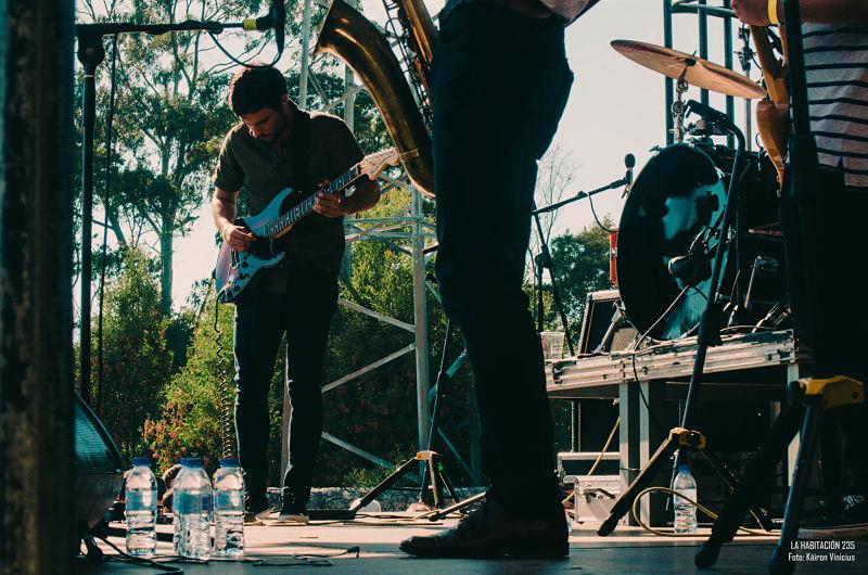 black-bombaim-live-band