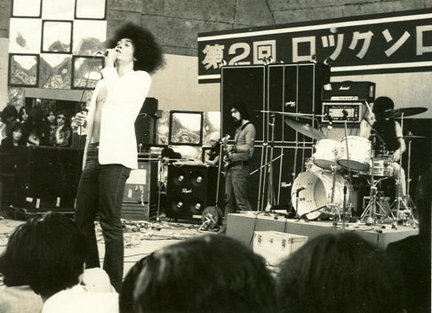 flower-travellin-band-live